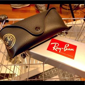 Ray-Ban Men's Justin Classic Sunglasses  RB4165